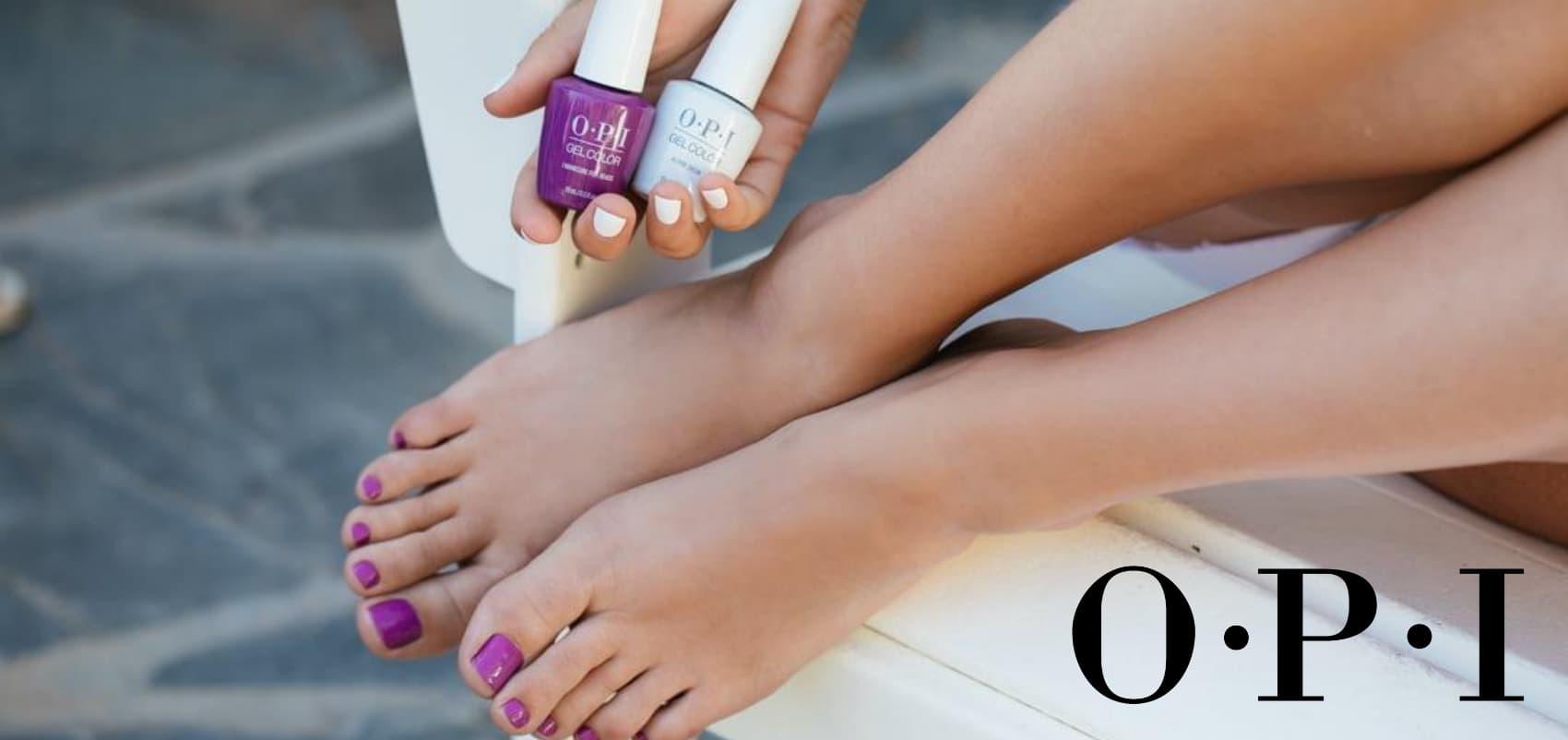 OPI foto van nagellak op voeten en handen